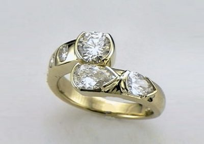 Twist of pears diamond yellow gold ring