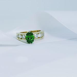 Rich Green Tsavorite and Diamond Yellow Gold Ring